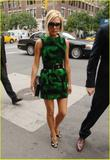 Celebrities with the same accessories//clothes as Victoria Th_66813_32_122_1103lo