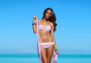 http://img175.imagevenue.com/loc15/th_936337805_UploadedByKurupt_Clara_Alonso_Baku_Swimwear_2011_05_122_15lo.jpg