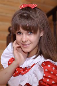 http://img175.imagevenue.com/loc157/th_210554249_tduid300163_Silver_Sandrinya_maid_1_128_122_157lo.JPG