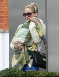 Kate Hudson leaving her London hotel - October 28