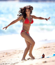 Re: Melanie Brown *ADDS* l Red Bikini Malibu l 29.05.2013 | 46 hq