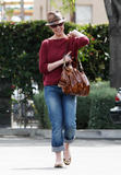 http://img175.imagevenue.com/loc431/th_31614_Katherine_Heigl_having_lunch_at_Figaro_Cafein_Los_Feliz_March052010_001_122_431lo.jpg