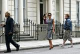 Advert - Anuncios dvb // Victoria Beckham Dress Collection Th_77511_23jul09_vb_glambeckhamswebsiteUntitled_10_122_505lo
