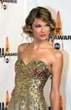 th_90312_Ttaylor_Swift_1_The_43rd_Annual_CMA_Awards_234_122_575lo.jpg