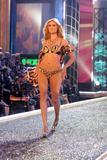 th_98023_Victoria_Secret_Celebrity_City_2007_FS415_123_641lo.jpg