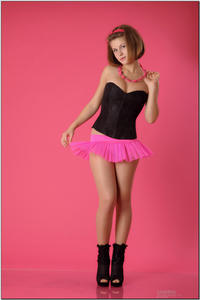 http://img175.imagevenue.com/loc81/th_254509365_tduid300163_sandrinya_model_pinkmini_teenmodeling_tv_019_122_81lo.jpg