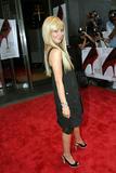 Slight Cleavage Ashley Tisdale See through tank top Foto 206 (Незначительное Дробление Эшли Тисдэйл видеть сквозь Майка Фото 206)